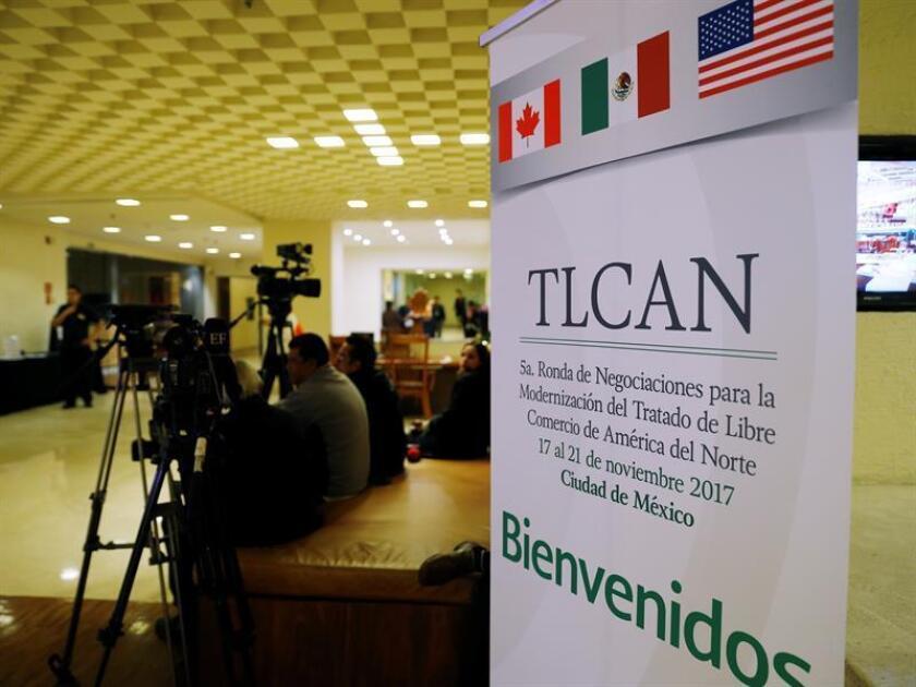México alertó hoy de riesgos para su crecimiento económico por la incertidumbre respecto al resultado de la actualización del Tratado de Libre Comercio de América del Norte (TLCAN), un día después de que la quinta ronda de negociaciones entre los socios del convenio terminara sin avances significativos. EFE/ARCHIVO