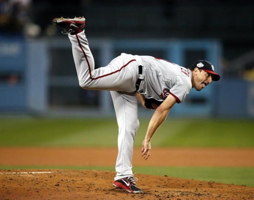 Washington Nationals starting pitcher Max Scherzer delivers in the third inning against the Los Angeles Dodgers at Dodger Stadium in Los Angeles, California, USA, 20 April 2018. EFE