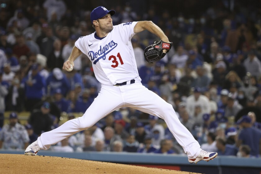 Max Scherzer of the Dodgers pitches against the San Francisco Giants.