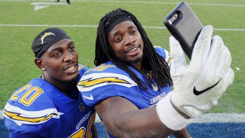 Desmond King - Melvin Gordon