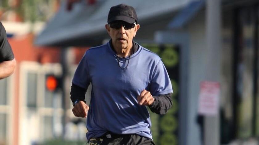 hoyla-corredor-del-maraton-de-los-angeles-desc-001