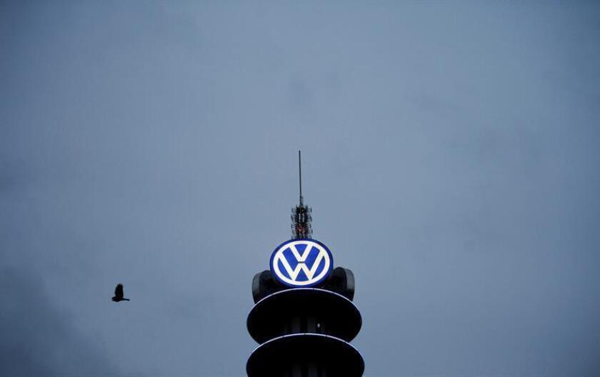 Volkswagen (VW) indemnizará a los propietarios o afrontará la reparación de 83.000 vehículos afectados en Estados Unidos por el escándalo del trucaje de motores diésel que aún no habían sido incluidos en la resolución principal del caso. EFE/ARCHIVO