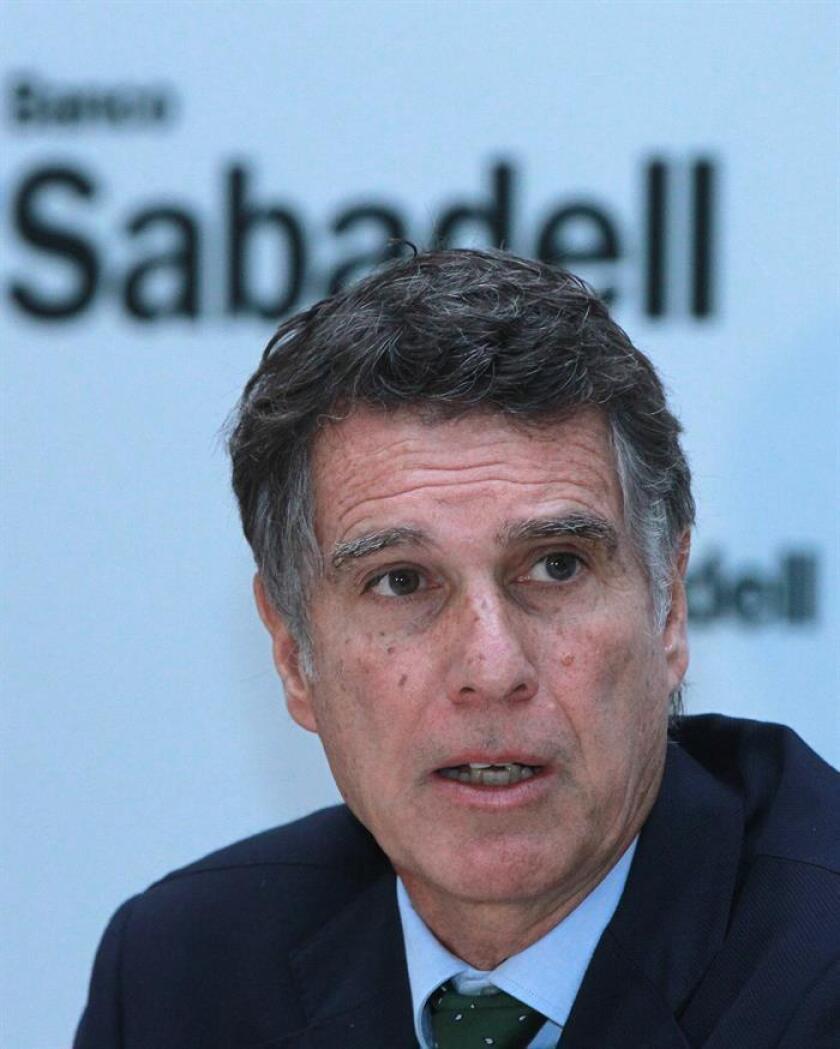El consejero delegado del Banco Sabadell, Jaime Guardiola, habla hoy, jueves 9 de noviembre de 2017, durante el lanzamiento de una banca personal 100 % digital en Ciudad de México (México). EFE