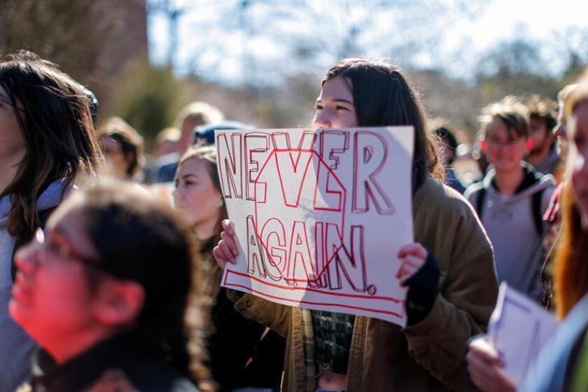 """Un grupo de expertos y funcionarios de seguridad pública de Texas aseguró que """"la salud mental de los estudiantes"""" es la principal razón de la violencia escolar y reclamó centrar los recursos en esa situación. EFE/Archivo"""