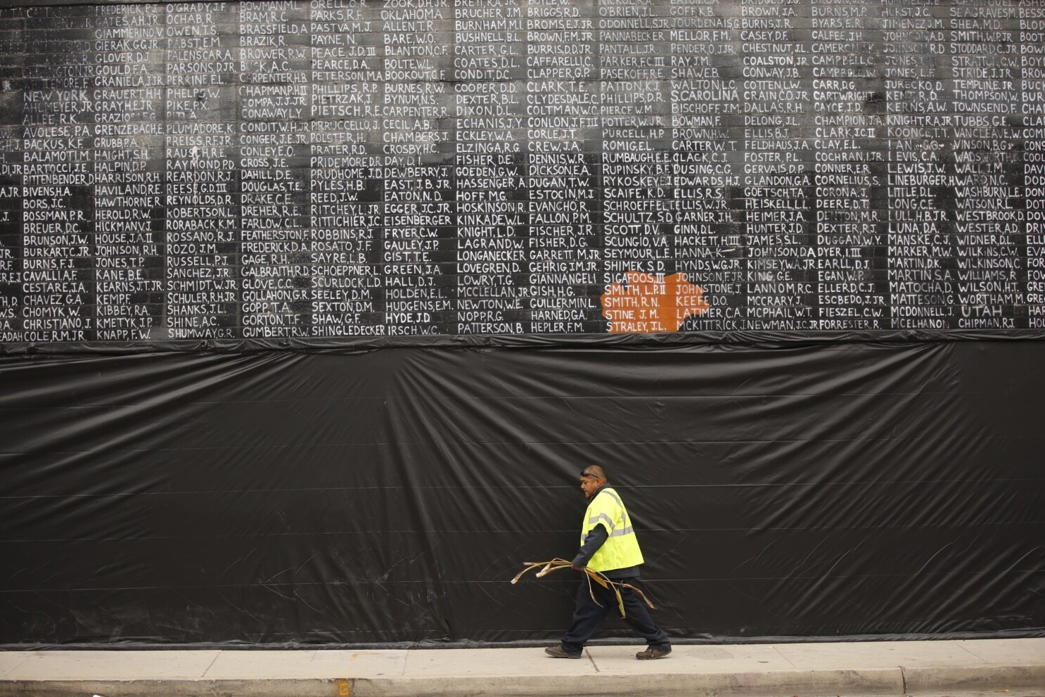 Man Who Vandalized Vietnam War Memorial In Venice Sentenced To 4 Years In Prison Los Angeles Times