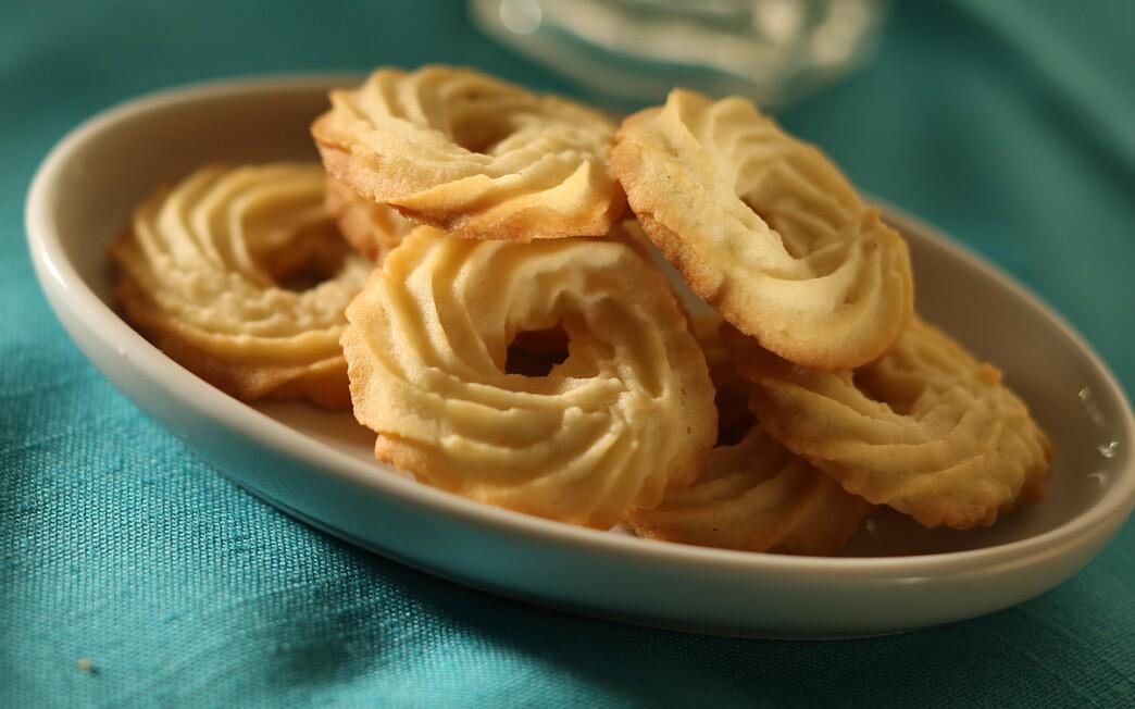 Danish wreath cookies