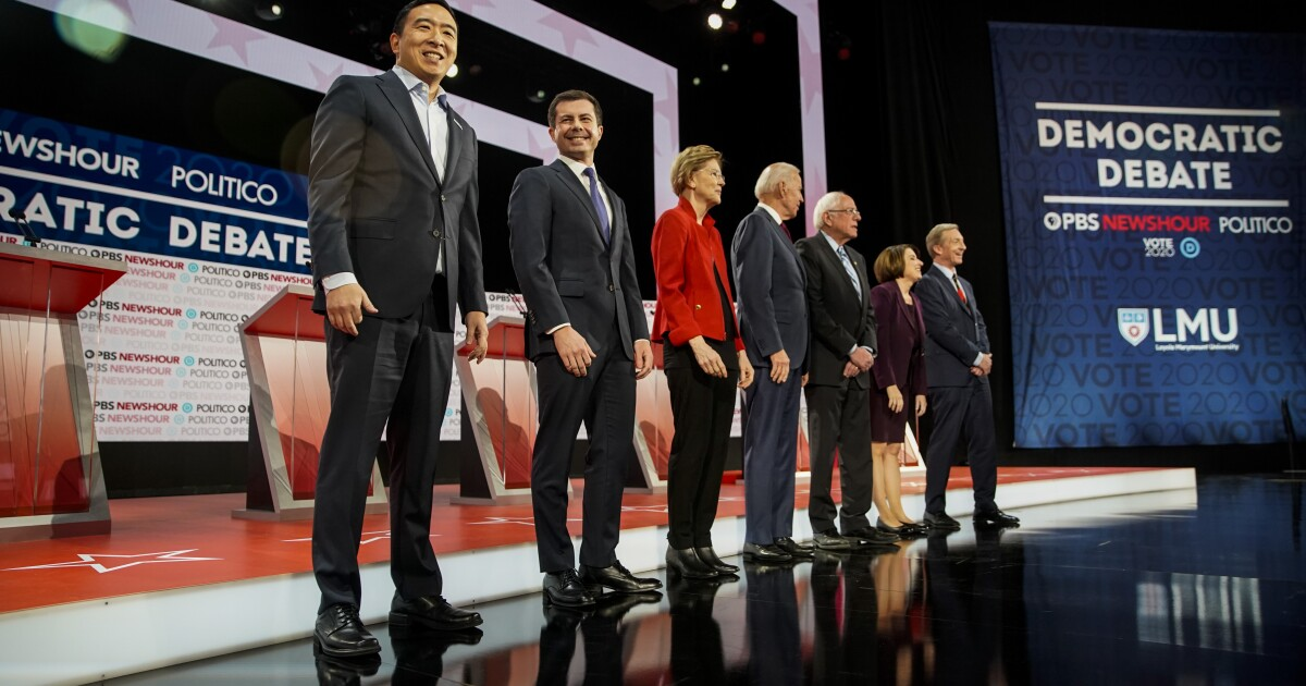 Demokratische Debatte bringt lange schwelenden Rivalitäten in den offenen