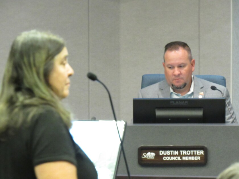 Santee resident Lynda Marrokal speaks to the Santee City Council on Aug. 25.