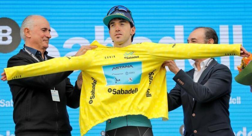 El corredor vasco del equipo Astana, Ion Izaguirre, se enfunda el maillot amarillo como ganador de la 70 edición de la Volta a la Comunitat Valenciana-GP Banc Sabadell, y se sube a lo más alto de un podio de color íntegramente español, ya que le secundan Alejandro Valverde (MOV), anterior ganador de la ronda, y su compañero de equipo Pello Bilbao. EFE
