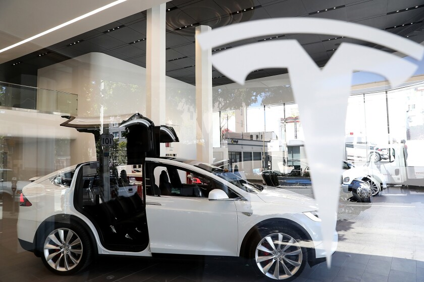 Un Tesla Model X. (Photo by Justin Sullivan/Getty Images)