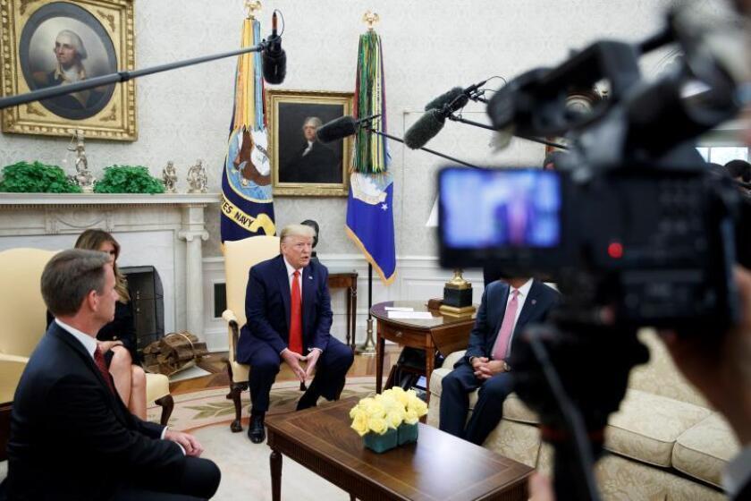 Trump no descarta relajar las sanciones a Irán para poder reunirse con Rohaní