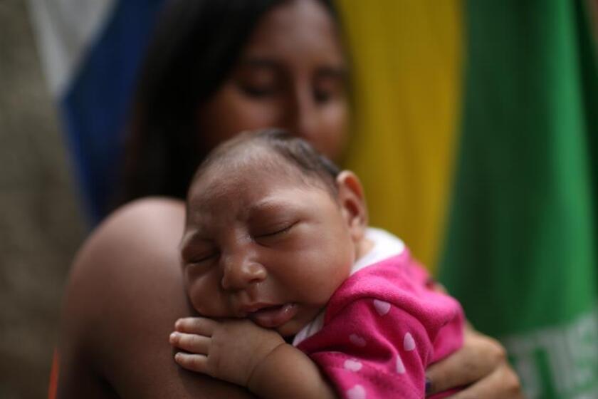 Los casos confirmados del virus del Zika en Puerto Rico aumentaron en 263 durante la semana epidemiológica número 44 para alcanzar un total de 34.825, según informó hoy en un comunicado la secretaria del Departamento de Salud de la isla, Ana Ríus, quien anunció que se investiga un caso de un cuarto bebe con zika congénito. EFE/ARCHIVO