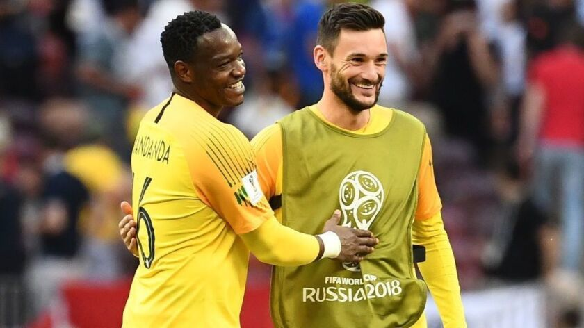 World Cup: Steve Mandanda becomes oldest French player to make World Cup  debut - Los Angeles Times