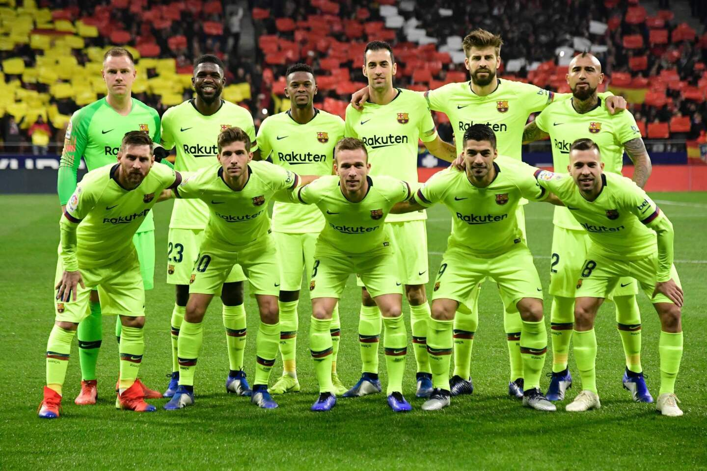 (Back L-R) Barcelona's German goalkeeper Marc-Andre Ter Stegen, Barcelona's French defender Samuel Umtiti, Barcelona's Portuguese defender Nelson Semedo, Barcelona's Spanish midfielder Sergio Busquets, Barcelona's Spanish defender Gerard Pique, Barcelona's Chilean midfielder Arturo Vidal, (L-R) Barcelona's Argentinian forward Lionel Messi, Barcelona's Spanish midfielder Sergi Roberto, Barcelona's Brazilian midfielder Arthur, Barcelona's Uruguayan forward Luis Suarez and Barcelona's Spanish defender Jordi Alba pose for a group picture ahead of the Spanish league football match between Club Atletico de Madrid and FC Barcelona at the Wanda Metropolitano stadium in Madrid on November 24, 2018. (Photo by JAVIER SORIANO / AFP)JAVIER SORIANO/AFP/Getty Images ** OUTS - ELSENT, FPG, CM - OUTS * NM, PH, VA if sourced by CT, LA or MoD **