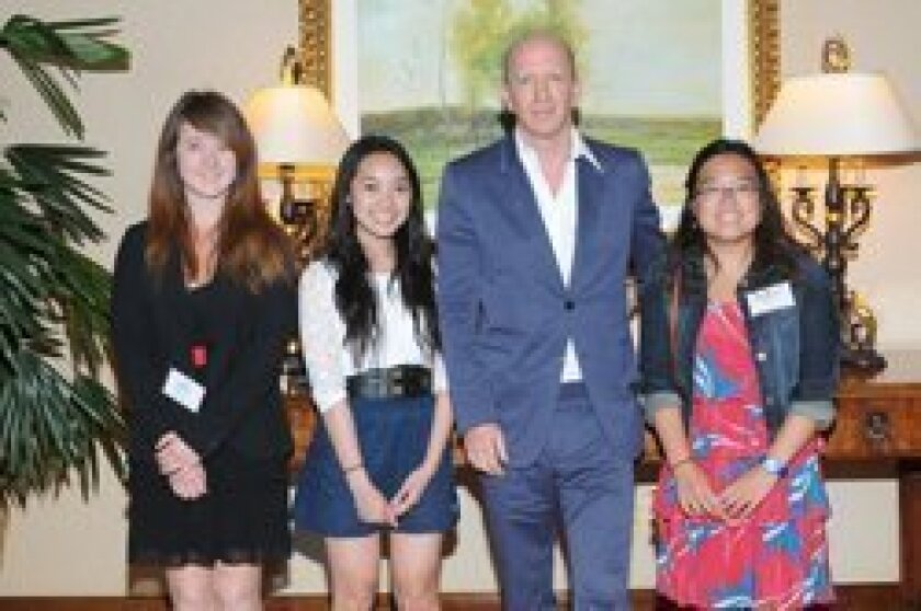 Author Simon Sebag Montefiore with recognized student writers Amber Gallant, Theresa Bui and Cassandra Go. Photo/Rob McKenzie
