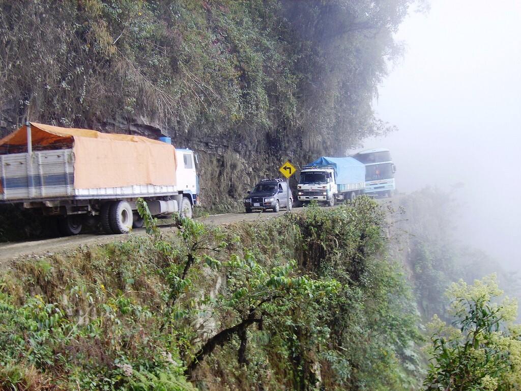 """Camino de la muerte, Bolivia, """"El camino más peligroso del mundo"""""""