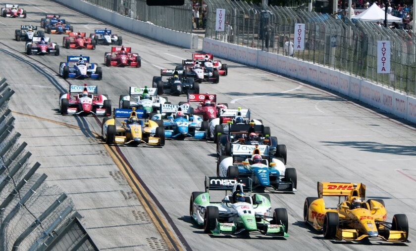 IndyCar race start — 2014 Long Beach GP