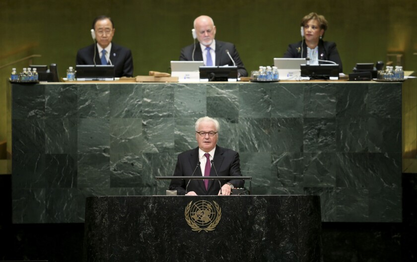 El embajador ruso para Naciones Unidas, Vitaly Churkin, en una declaratoria durante el nombramiento del secterario general electo de la ONU, Antonio Guterres, en la sede de la organización internacional. (AP Foto/Seth Wenig)