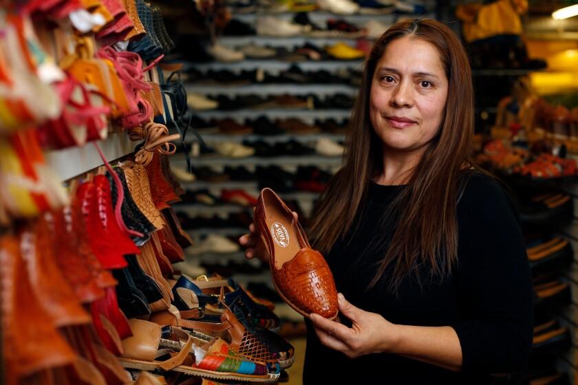 Huarache seller Maria Silva