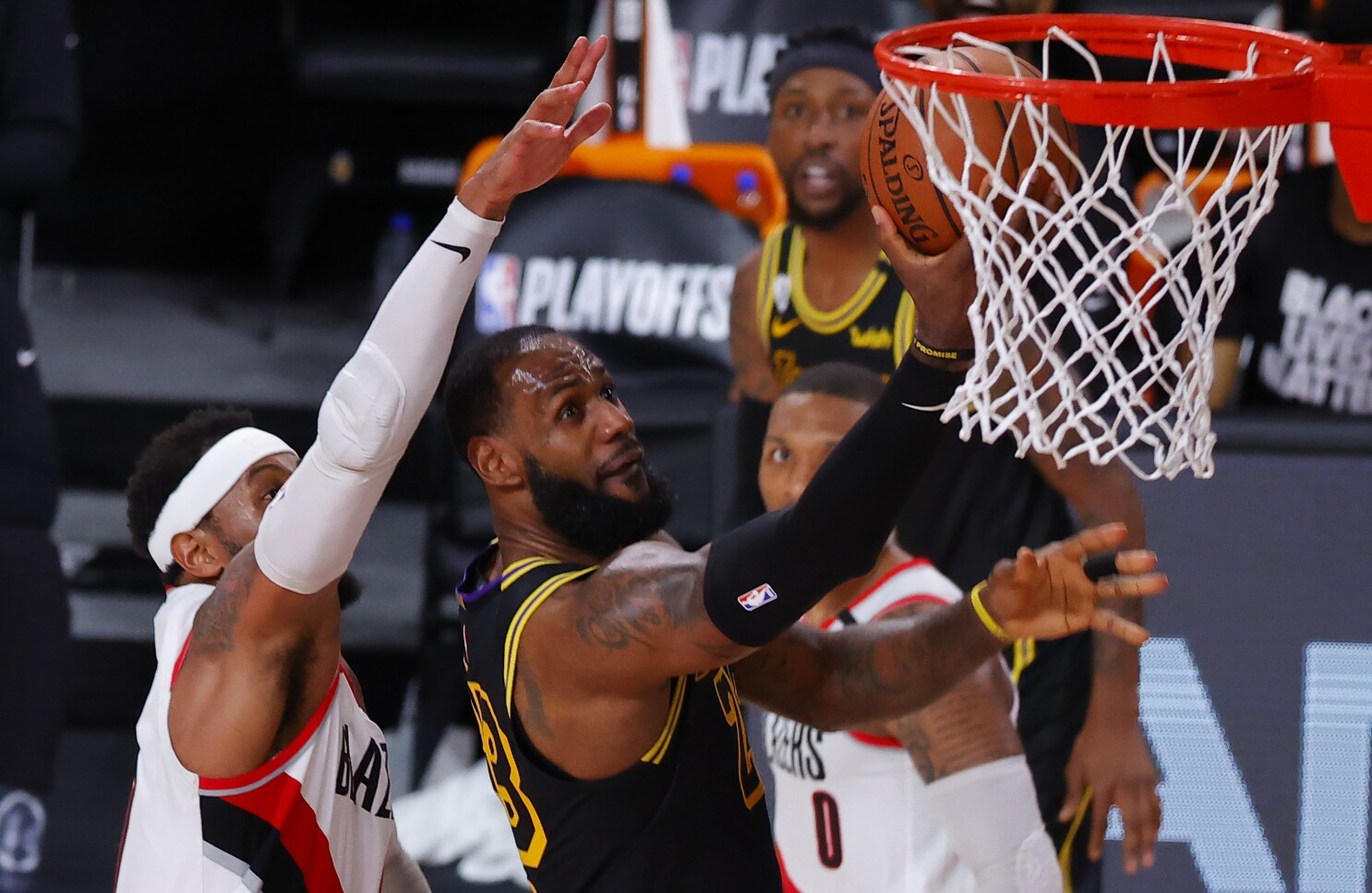 Lakers Honor Kobe Bryant And Ruthlessly Crush Trail Blazers Los Angeles Times