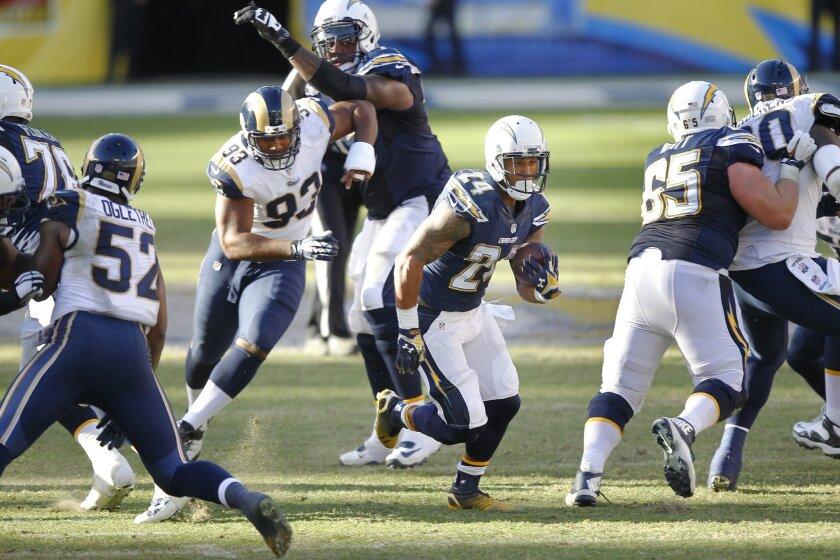 Chargers Ryan Mathews takes off on his third-quarter touchdown run against the Rams.
