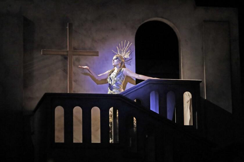 """Carmen Voskuhl as El Alma in """"Juana."""""""