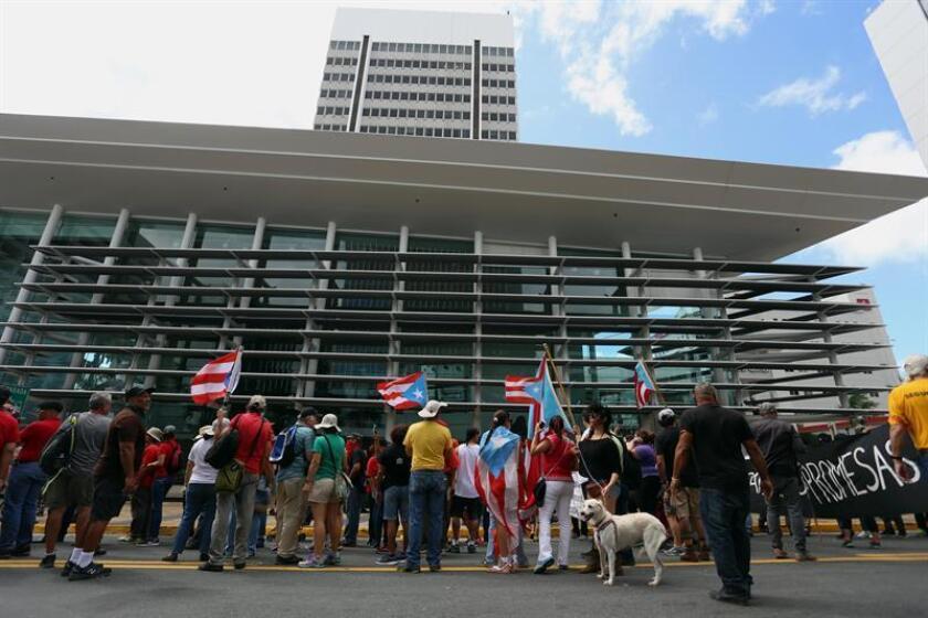 La dimisión del juez Rafael A. Ramos de su cargo de presidente de la Comisión Estatal de Elecciones (CEE) de Puerto Rico por violaciones éticas en su cargo, pone en jaque a dicha institución en la que podría haber más renuncias. EFE/Archivo