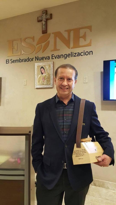 Noel Díaz es el único angelino autorizado a viajar con el pontífice en la gira que el papa realizará en México.