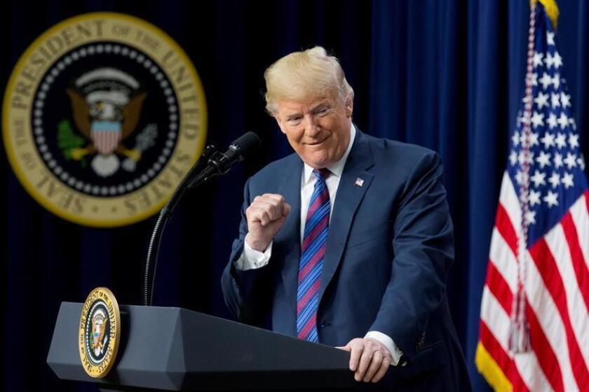 El presidente de Estados Unidos, Donald Trump, ofrece un discurso en el edificio Eisenhower de la Casa Blanca, Washington D.C (Estados Unidos). EFE/Archivo