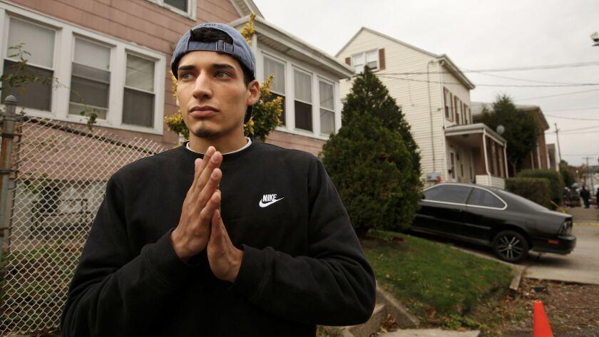 Carlos Batista, de 23 años, vivía a dos casas de Sayfullo Saipov en Paterson, N.J. Carolyn Cole / Los Angeles Times