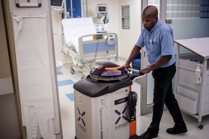 Cleaning a hospital with UV light