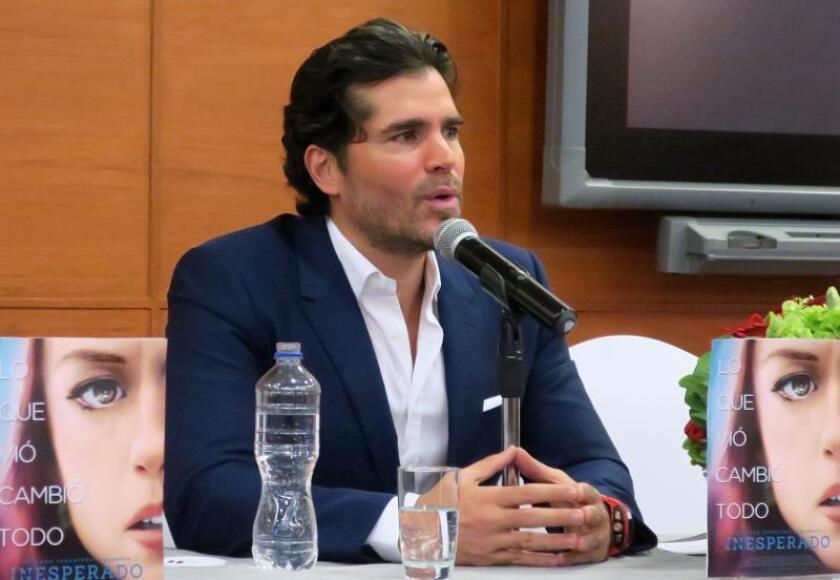 El actor Eduardo Verástegi participa hoy miércoles, en una rueda de prensa en Ciudad de México (México). EFE/Cristina Sánchez