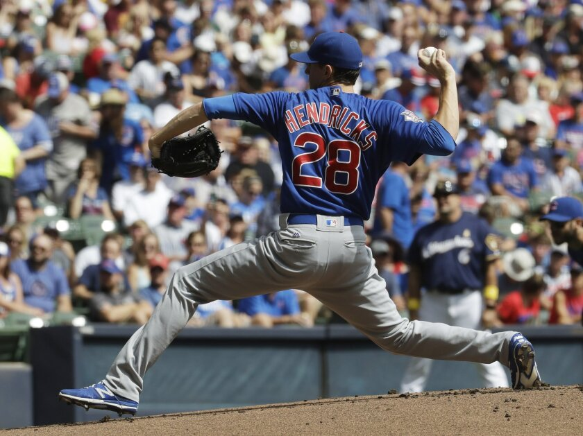 Chicago Cubs starting pitcher Kyle Hendricks throws during the first inning of a baseball game against the Milwaukee Brewers Monday, Sept. 5, 2016, in Milwaukee. (AP Photo/Morry Gash)