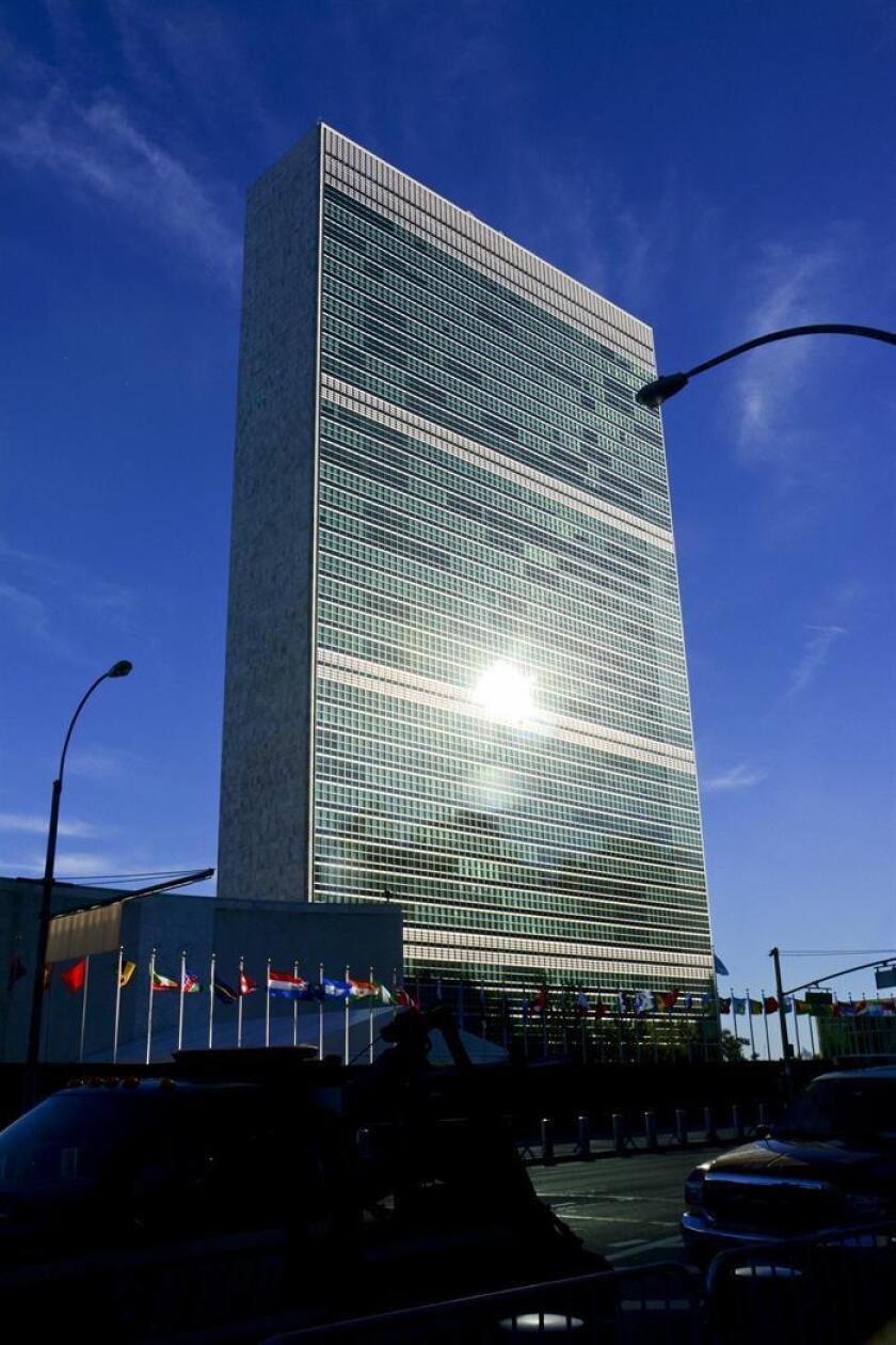 """Cuba acusó hoy a EE.UU. de violar sus obligaciones como país anfitrión de la ONU, al demorar """"injustificadamente"""" una solicitud de visado de una viceministra e impedir que acudiese a un acto en la organización internacional. EFE/ARCHIVO"""