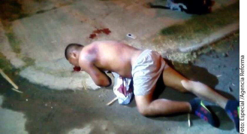 Un sujeto estuvo a punto de ser linchado a golpes por un grupo de personas que lo descubrieron robándose una carretilla y una bicicleta de una vivienda de Izúcar de Matamoros.