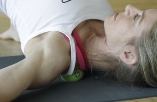 Try This! Rub away the tension with the trapezius tamer