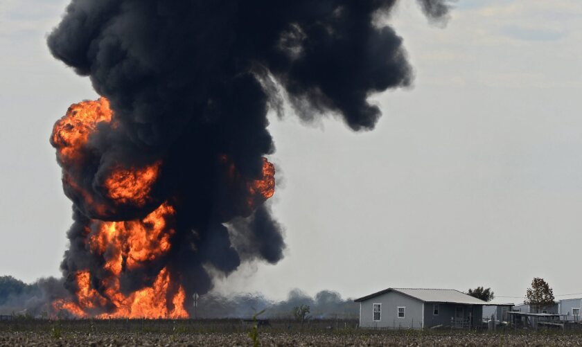 Texas pipeline explodes as crew drills into line, causing huge fire