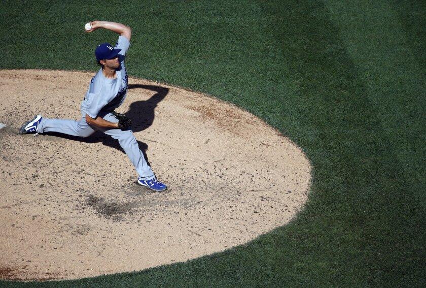 El pitcher Clayton Kershaw, durante el juego de los Dodgers ante Nationals, en Washington.