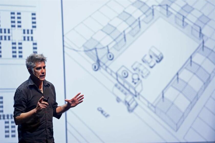 Chileno Aravena dice que la reconstrucción necesita calidad más que caridad