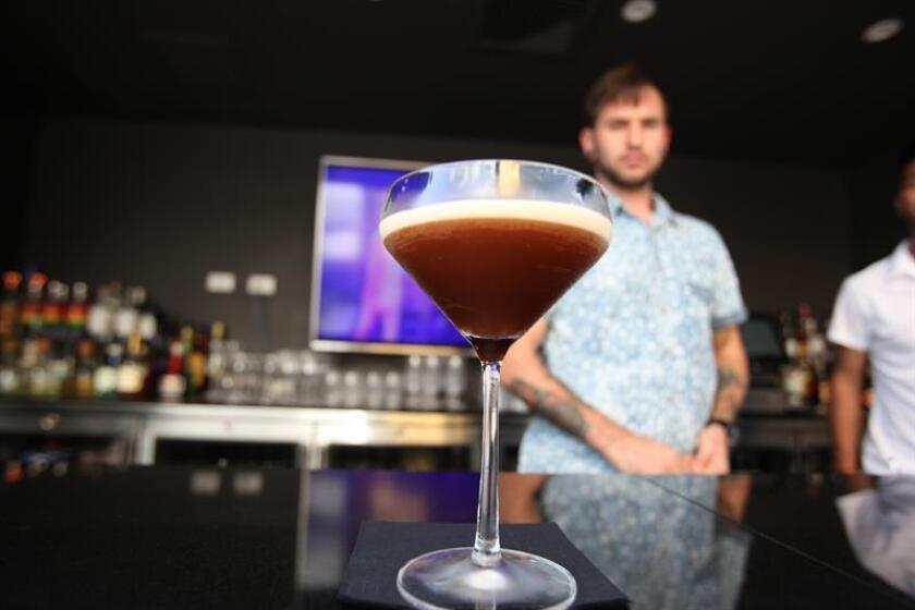 Alcohol afecta memoria durante horas y causa antojos duraderos, según estudio