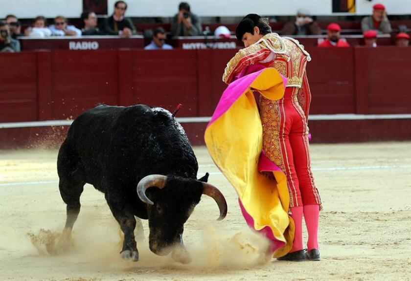 Castella, que indultó un toro, salió a hombros con Joselito y Luis David