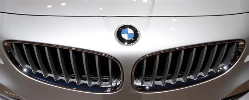 BMW comunicó hoy la llamada a revisión de alrededor de 1 millón de vehículos en Estados Unidos para solucionar dos defectos en la refrigeración y sistemas eléctricos que pueden producir incendios. EFE/ARCHIVO