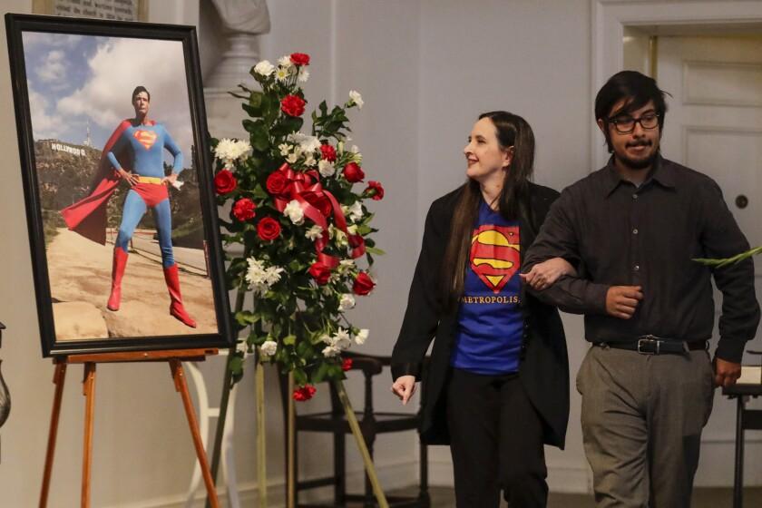 474556_ME_1207_Burying_Superman_004.IK.jpg
