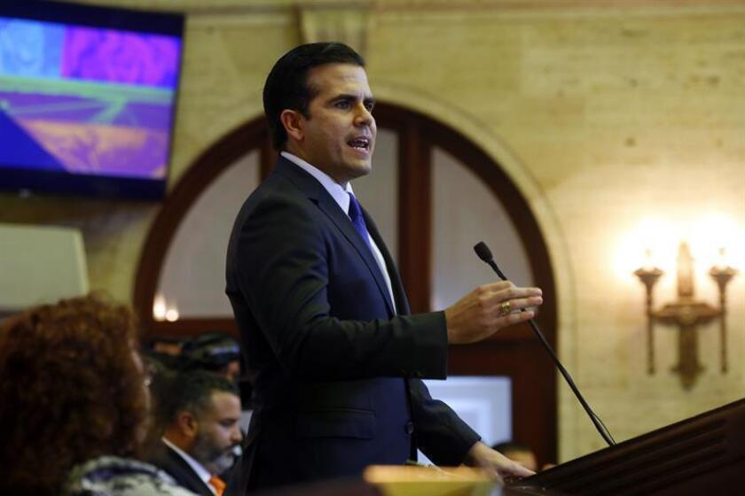 El gobernador de Puerto Rico, Ricardo Rosselló, se mostró hoy en desacuerdo con los 750.000 dólares anuales que recibirá Rafael Díaz Granados, nuevo responsable de la Autoridad de Energía Eléctrica (AEE). EFE/Archivo