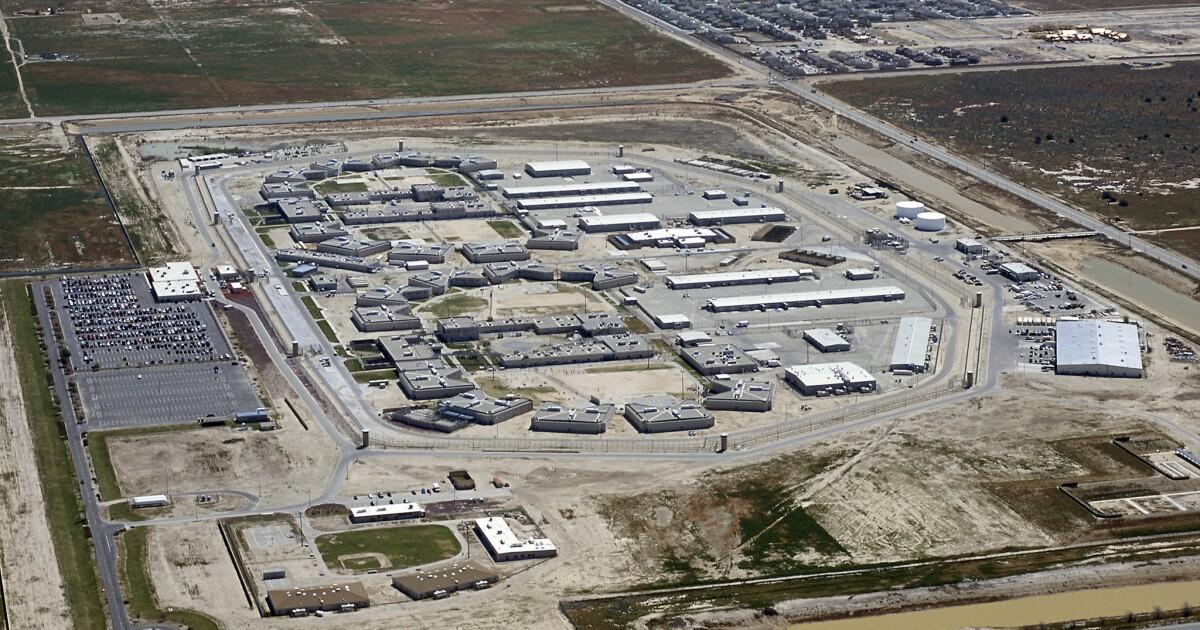 Tidak ada massa rilis penjara untuk sekarang; federal panel mengatakan hal itu tidak bisa memerintah pada kasus coronavirus