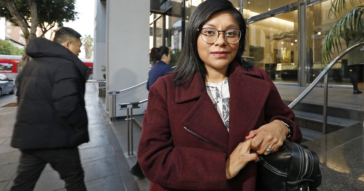 Spalte: Diese Einwanderung Anwalt versteht Ihre Kunden. Sie ist ohne Papiere, zu