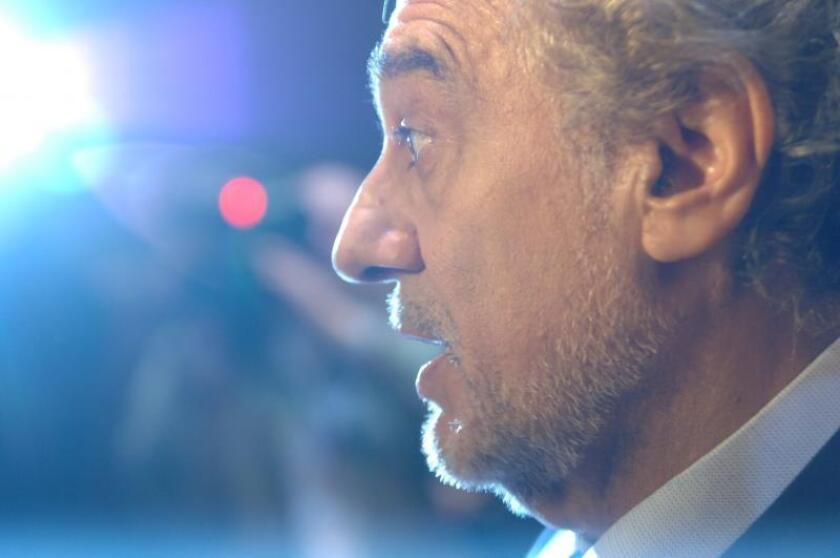 La Opera Nacional de Washington ubicada en el Kenedy Center celebró el 65vo cumpleaños del tenor español Plácido Domingo - en la foto - y el 10mo aniversario del mismo como director de la Opera, el 27 de mayo de 2005. EFE/Eddie Arrossi/Archivo