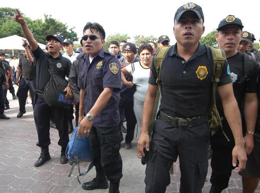 Unos 170 policías municipales denunciaron hoy actos de corrupción por parte de sus altos mandos en el balneario de Cancún y fueron despedidos. EFE/ARCHIVO