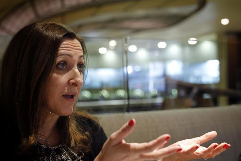 La directora regional para América Latina de la Unidad de Inteligencia de The Economist, Irene Mia, habla durante una entrevista con Efe hoy, viernes 9 de febrero de 2018, en Ciudad de México (México). EFE