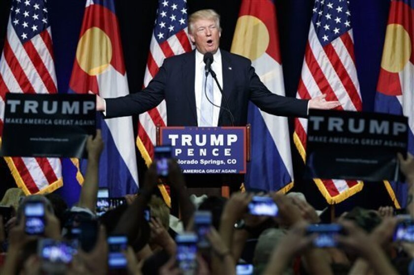En esta imagen de archivo, tomada el 29 de julio de 2016, el candidato republicano a la presidenica de Estados Unidos, Donald Trump, durante un acto de campaña en Colorado Springs, Colorado. (AP Foto/Evan Vucci, archivo)